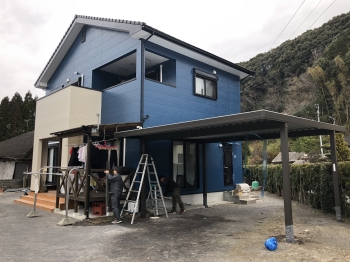 近隣最大規模の住宅設備ショールーム 失敗しない塗装勉強会実施中 霧島、姶良の外壁塗装はリビング亀沢にお任せ